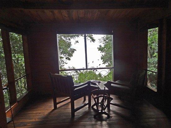 Jacana Safari Lodge: open-air cottage with lake-view