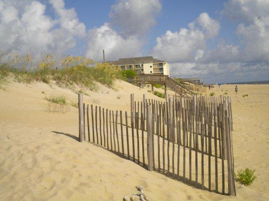 Blue Heron Motel: beach