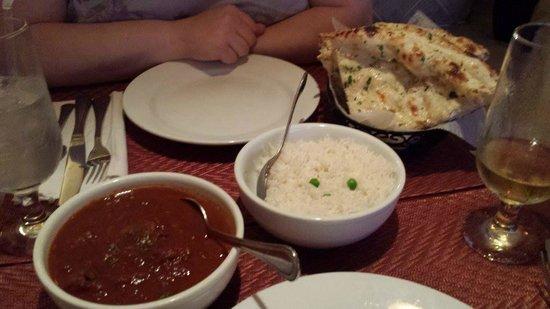 Saffron Indian Cuisine: lamb vindaloo, rice and garlic naan