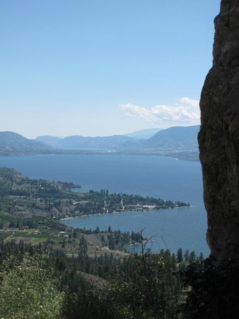 Sutherland Blueberry Bed & Breakfast: view from the Little Tunnel above Naramata
