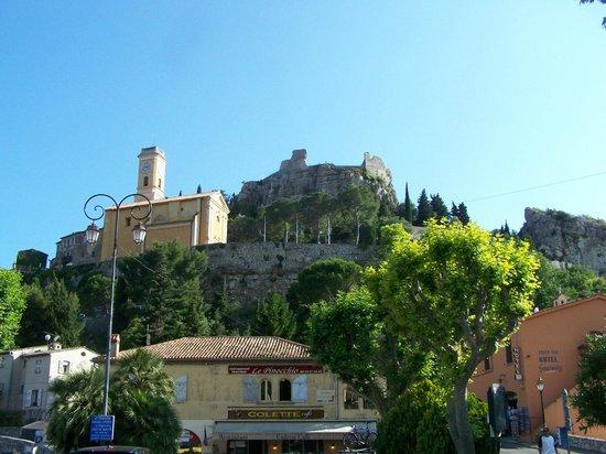 Eza Vista: Looking up at the walled city of Eze.