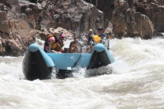 Hualapai River Runners : Rafts