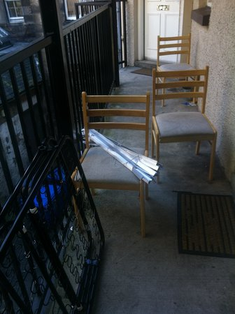 City Centre Hostel Apartments : the broken stuff from our apartments
