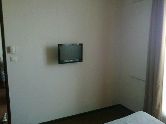 Adagio Access Nimes: La TV de la chambre