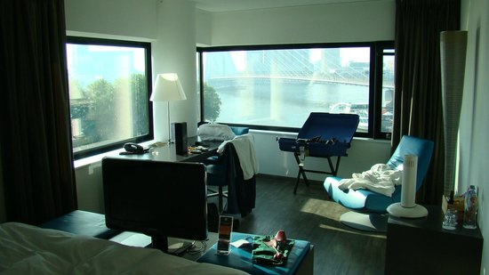 Inntel Hotels Rotterdam Centre: View from the bed