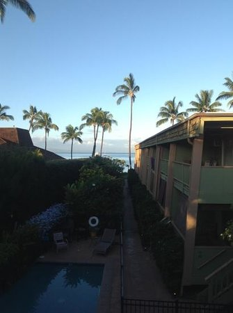 Kihei Kai Oceanfront Condos: Morning view from unit 24