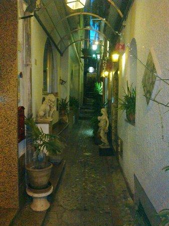 Hotel Villa Mora: Street
