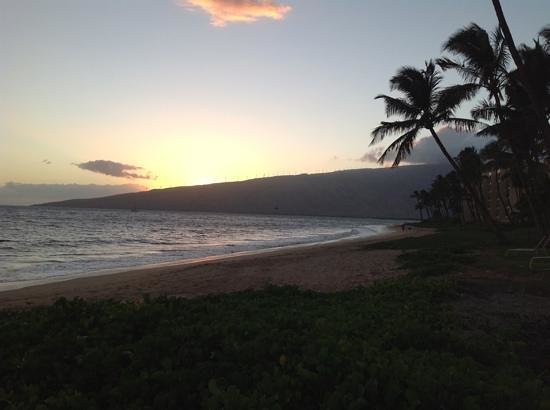 Kihei Kai Oceanfront Condos: sunset