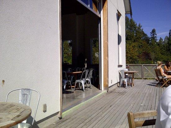 Sea Cider Farm & Ciderhouse: patio area