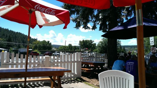 Riff Raff Brewing Company: View from shady patio