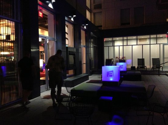 Aloft Nashville - Cool Springs: Exterior Patio Space