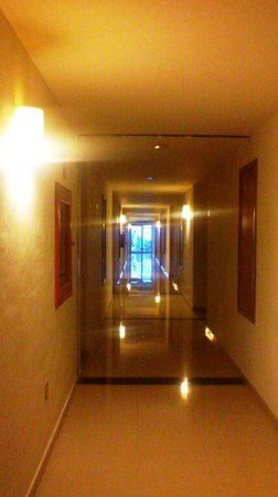 Hotel Magic Express: Piso 1