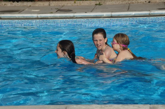 Sid Valley Country Hotel: Pool Fun