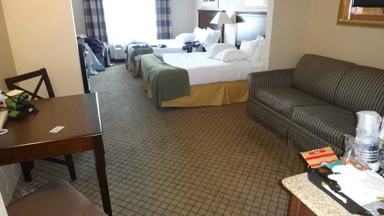Holiday Inn Express Hotel & Suites North Bay : suite