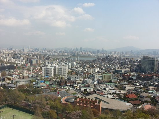 Grand Hyatt Seoul: View from the hotel room over the city and the Han river