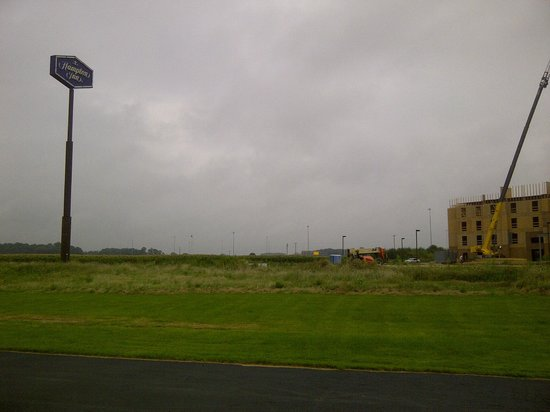 Country Inn & Suites By Carlson, Sandusky South : Set in a corn field. Competitor under construction next door.