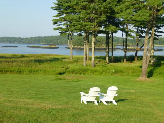 1774 Inn: lawn facing the Kennebec River
