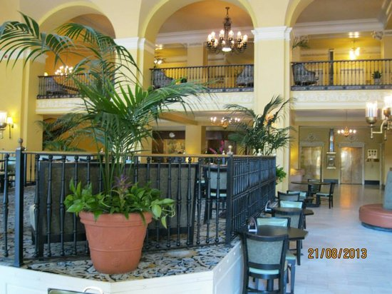 Arlington Resort Hotel & Spa: Stepping back in time in the lobby