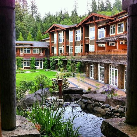 Alderbrook Resort & Spa: A view of the main lodge.