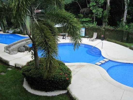 Club Del Cielo: View of the pool
