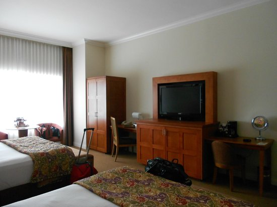 Pala Casino Resort and Spa: Two Queen bed room - view from first bed
