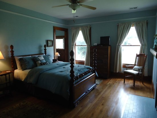 "Lawrenceburg Bed and Breakfast: The ""Guest Room"""