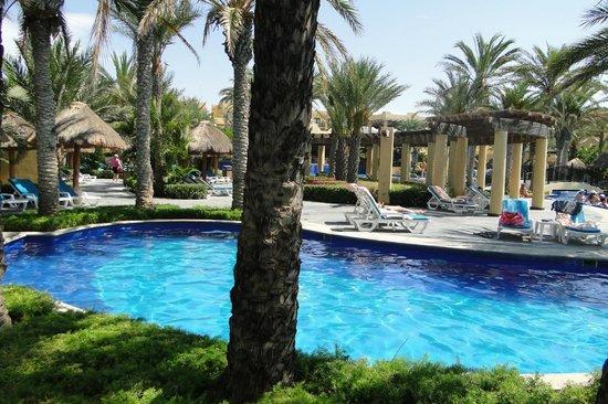 Hotel Riu Santa Fe: Alberca muy confortable