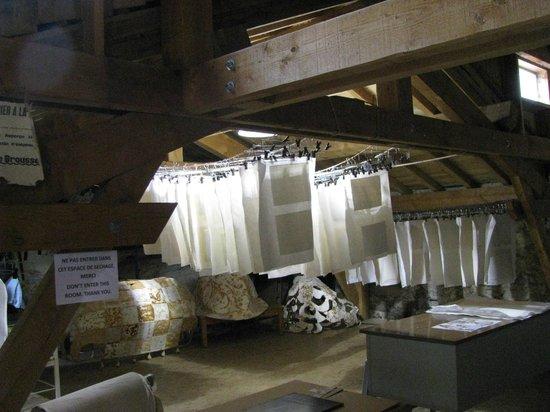 handmade paper drying picture of le moulin a papier de brousses brousses et villaret. Black Bedroom Furniture Sets. Home Design Ideas