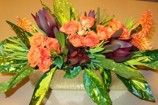 The Ritz-Carlton, Bachelor Gulch: Table decor: always the freshest flowers