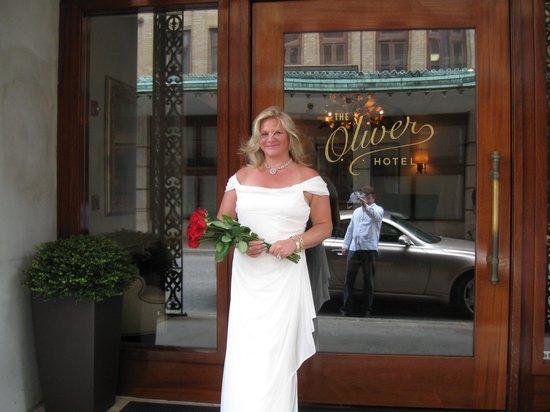 The Oliver Hotel : Front Door