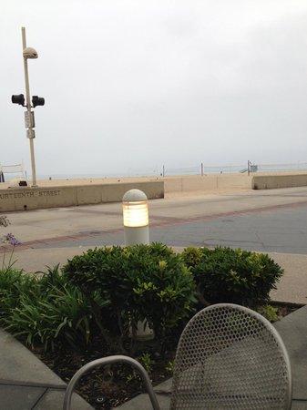 Beach House Hotel Hermosa Beach: View from Beach House breakfast area