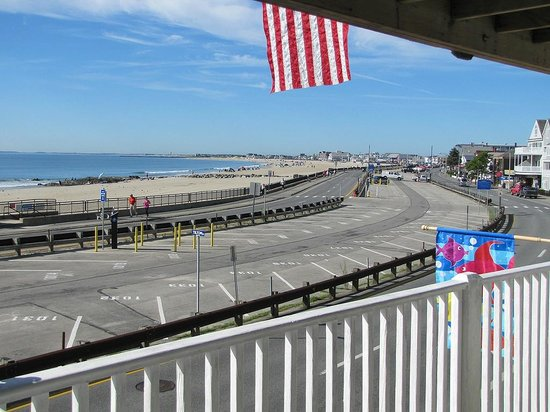 Atlantic Motel: View from the balcony of the boulevard