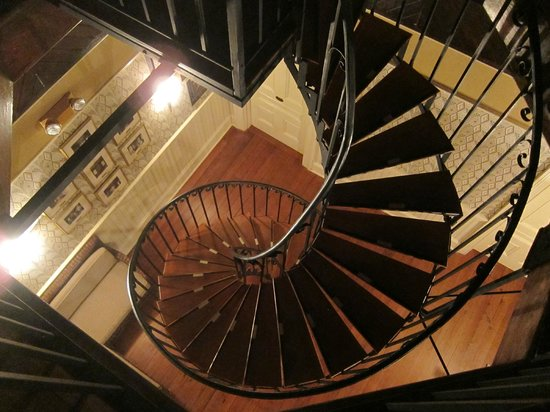 Wentworth Mansion : View down spiral stairs from cupola