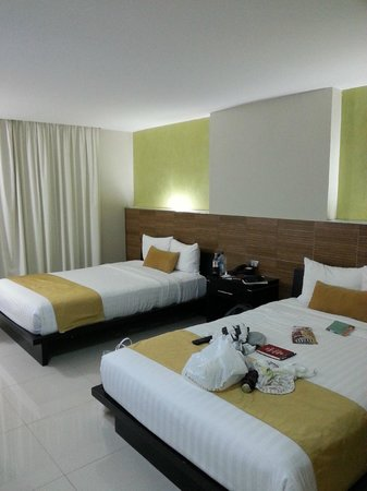 Hotel El Espanol Paseo de Montejo: Room