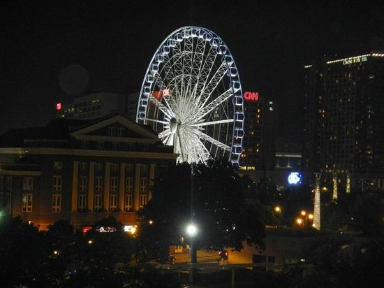 DoubleTree by Hilton Hotel Atlanta Downtown: View of the Ferris Wheel from our balcony