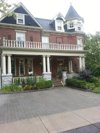 Secret Garden Bed & Breakfast Inn: Secret Garden Bed  & Breakfast