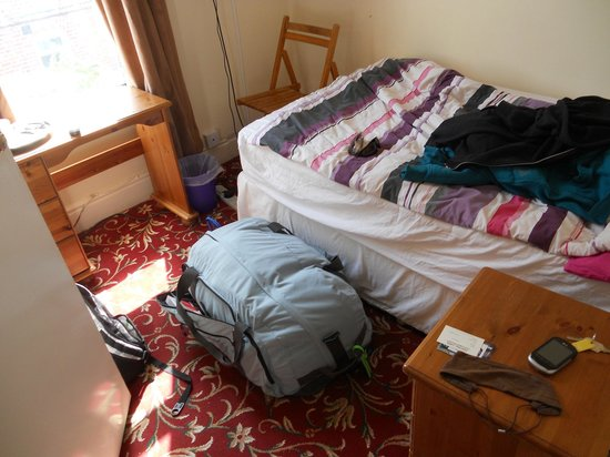 Addenro House Hotel : Single person suite (quite small, but big enough)