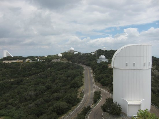 Kitt Peak National Observatory : Array of telescopes old and new