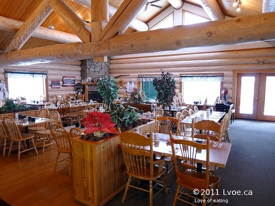 Bear's Claw Lodge: Dining room