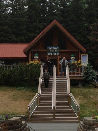 Kenai Princess Wilderness Lodge: The gift shop again...
