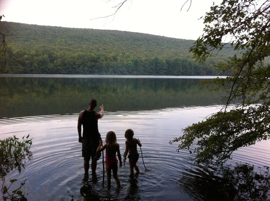 Mauch Chunk Lake Park: Family time