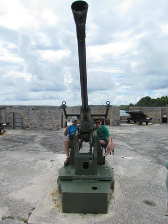 Fort St. Catherine: Anti-aircraft gun from WWII