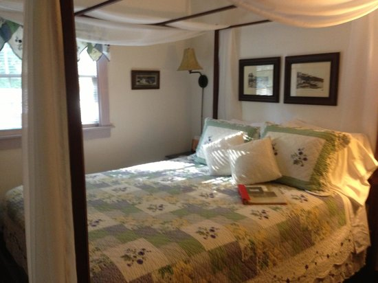 Folkestone Inn: Beautiful rooms