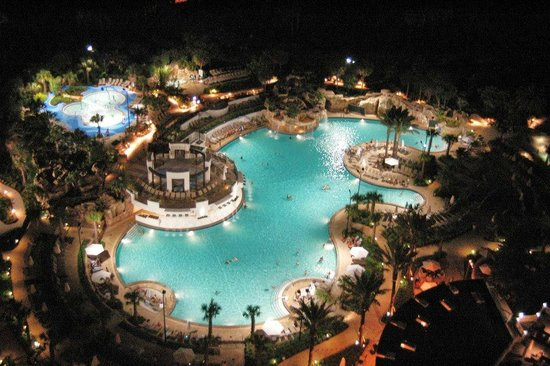 Orlando World Center Marriott: The pool in the upper left is the kiddie water park and pool area. It is amazing!