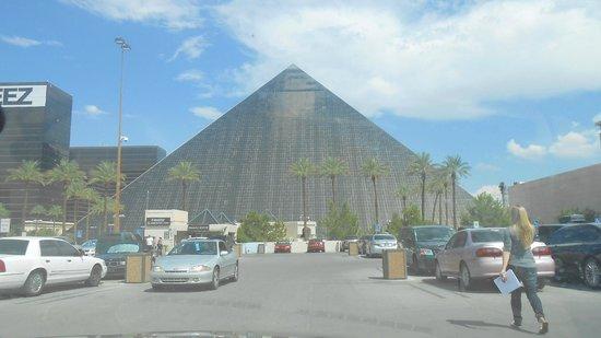 Luxor hotel and casino parking poker sport
