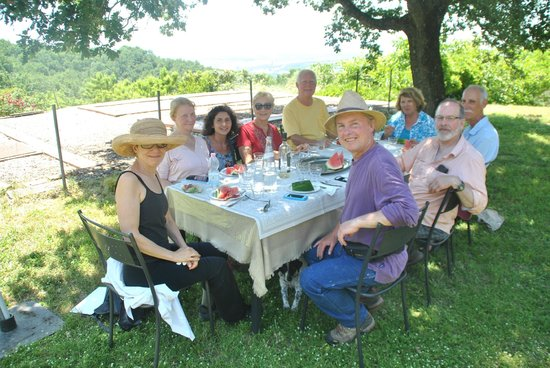 Agriturismo Acquaviva : Terrific dinning for our artists- we always return to this wonderful place.