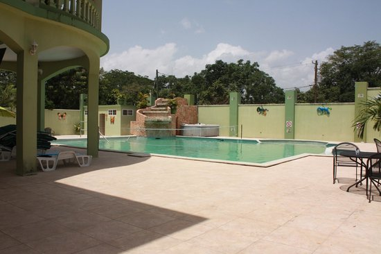 Midas Belize : Pool and waterfall
