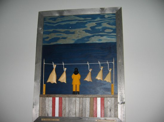 Ocean View Hotel: local art