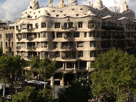 Suites Avenue: Vista de La Pedrera -Barcelona