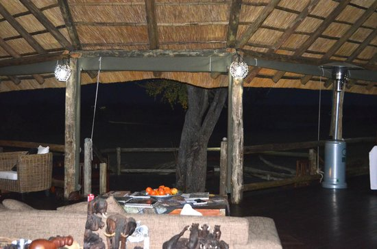 Nehimba Lodge: view out from lobby